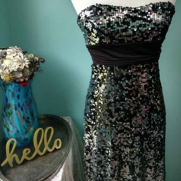 Speckles Dresses & Skirts - Speechless Juniors Black with Silver Sequin Dress
